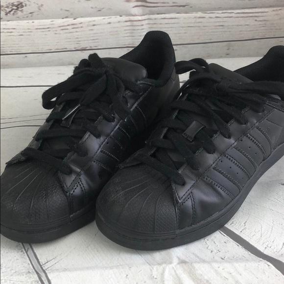 Adidas Superstar all black GS sz 5 women sz 6.5